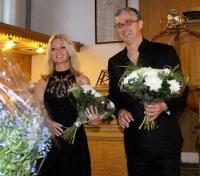 Het zangduo Divertiti bestaat uit de sopraan Andrea Vos en bariton Yan Bijpost.