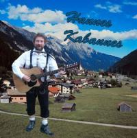 Hannes zingt en speelt Tirools en Duits repertoire.